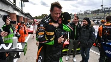 ORANGE1 FFF RACING again on the podium at Brands Hatch